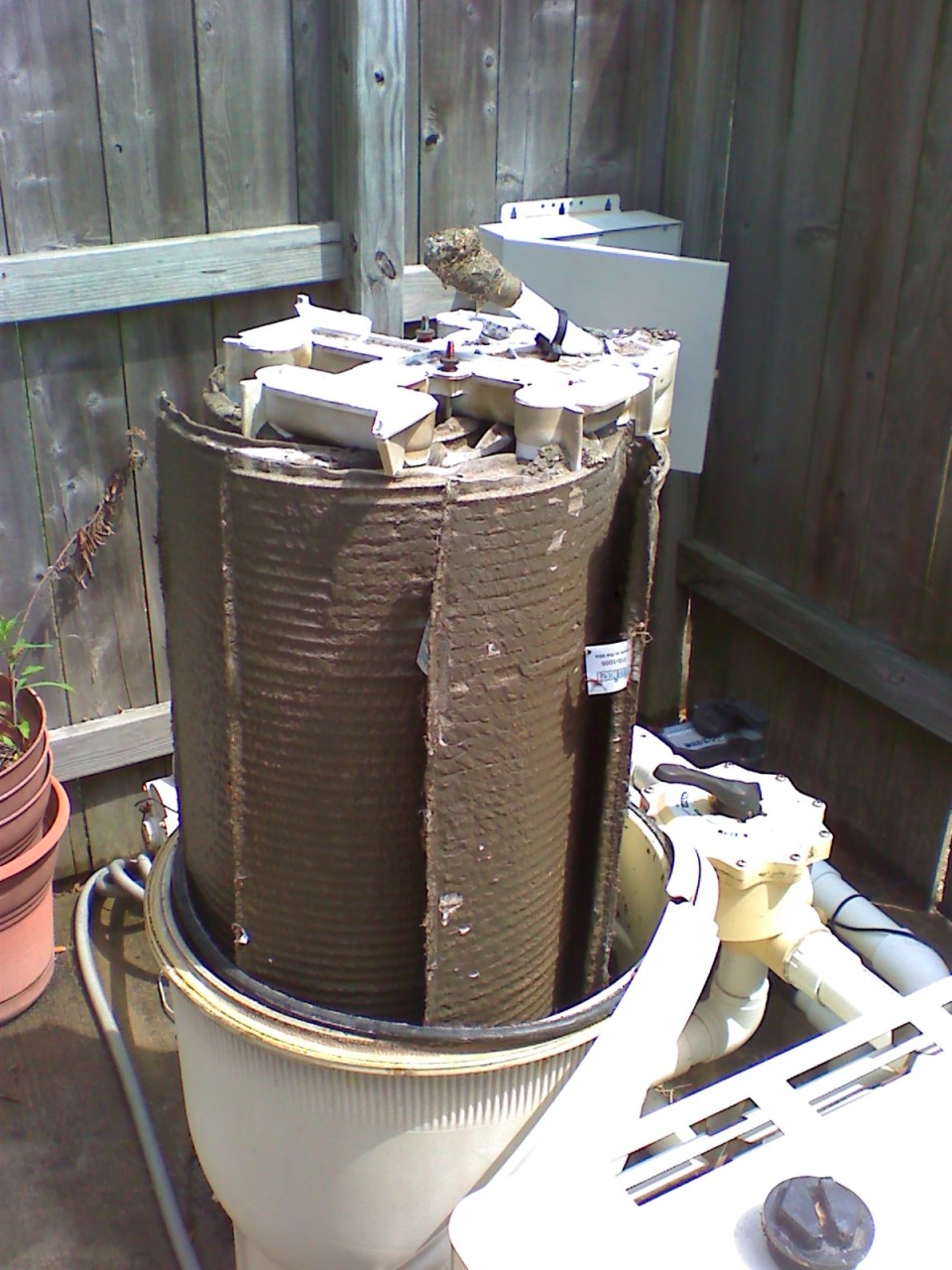Keep Your Pool Filter Clean Weekly Service By The